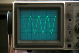 Tone generator output displayed on the oscilloscope. This one is about 21.5mV peak-to-peak.