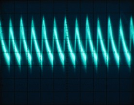 A closeup of a horizontal portion of the signal. Scale is 10µs/div horizontal and 5mV/div vertical.