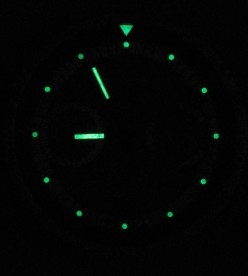 Unlike most wall clocks, this one is even readable in the dark.