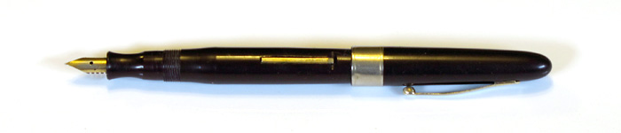 Unknown late model Eversharp pen with Gold Plated Stainless Steel Fine Nib, from about 1960.
