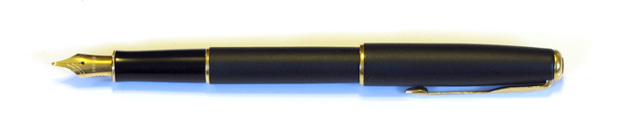 Parker Sonnet with a gold plated Stainless Steel Medium Nib (1997).